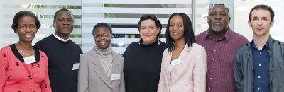 Das Tagungs-Organisationsteam mit den ReferentInnen des zweiten Tages (v. l.): Noma Kelbitsch und Mag. Godswill Eyawo (ProHealth), Rosaline M´bayo (Afrikaherz Berlin), Brigitte Köksal (Integrationsreferat), Mag.a Pauline Riesel-Soumaré und Elton Mtetwa (ProHealth), MPH Christoph Pammer (FH Joanneum Graz).