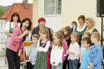 Stadträtin Mag. (FH) Sonja Grabner mit Kindern der Volksschule Baiern. Foto: Stadt Graz/Fischer